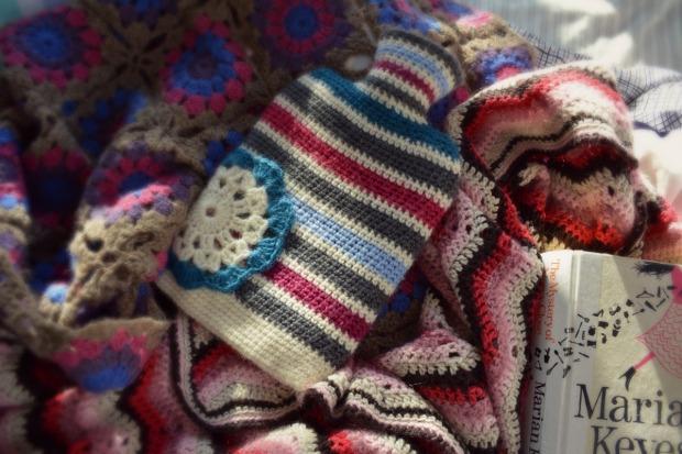 Reading crochet blankets 2